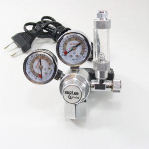 CO2 regulator med dobbelt manometer og magnetventil