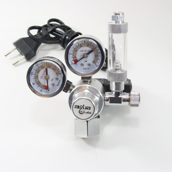 CO2 regulator med dobbelt manometer og magnetventil